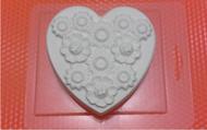 Пластиковая форма для мыла 127 - Сердце в цветах