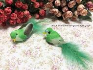 Декоративная птичка средняя на прищепке, цвет зеленый, длинна с хвостом 10 см, высота 2 см
