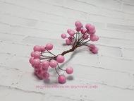 Ягодки глянцевые, цвет светло-розовый, пучок 40 ягодок, диаметр ягодки 11 мм