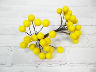Ягодки глянцевые, цвет желтый, пучок 40 ягодок, диаметр 11 мм