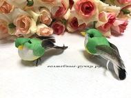 Декоративная птичка малая на проволоке, цвет зеленый, длина с хвостом 6,5 см, высота 2,5 см