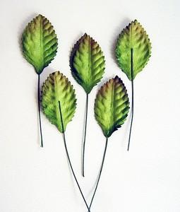 Листья зеленые средние 4,5х2,5 см 10 шт